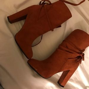 Just Fab heeled booties